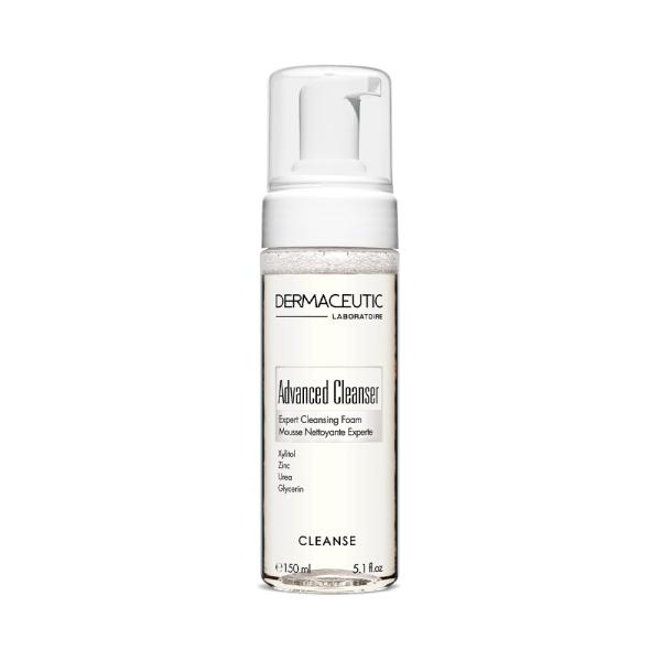 Fles met Advanced Cleanser, een zachte reinigingsmousse voor de huid.