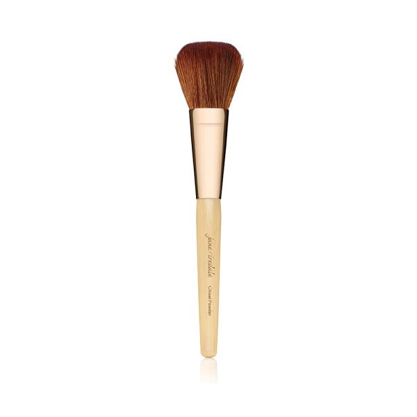 Chisel Powder Brushis een groot, afgerond penseel met semi-compacte haren.